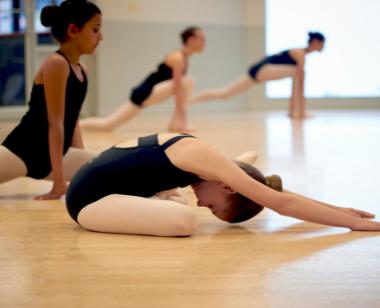 Dance stretch class